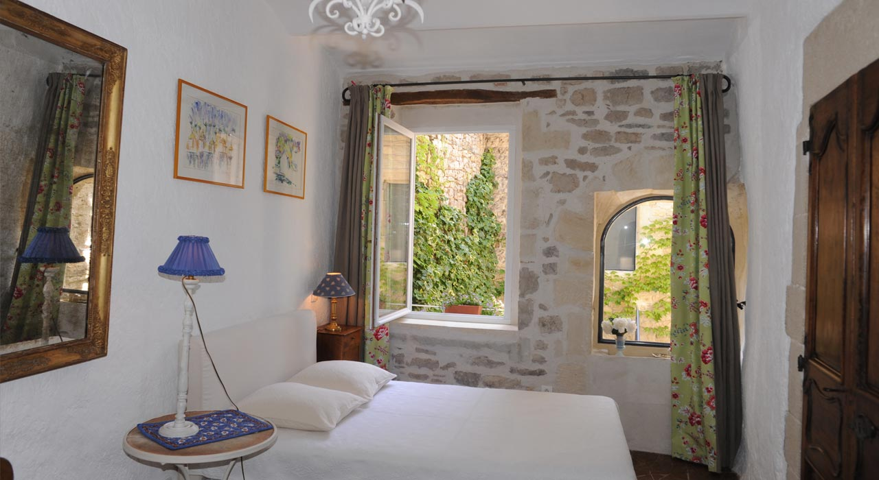 chambres hotes provence camargue calvisson chambres suites patio 1